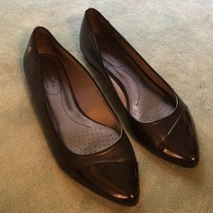 Lifestride pointy toe flats